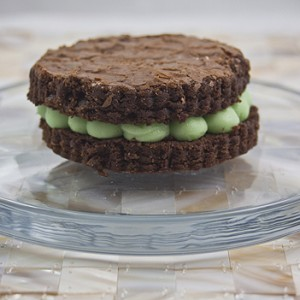 chocolate brownie w mint butter filling